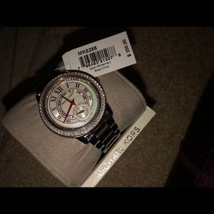 Micheal Kors Watch - MK6288